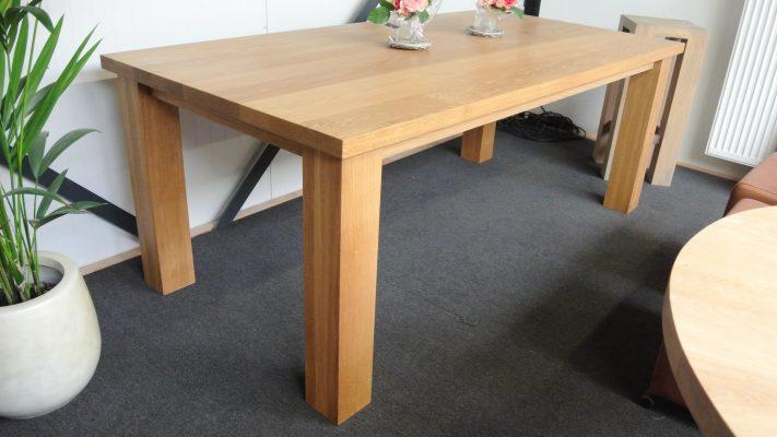 Klassieke massief eiken noten houten eetkamer tafel 1