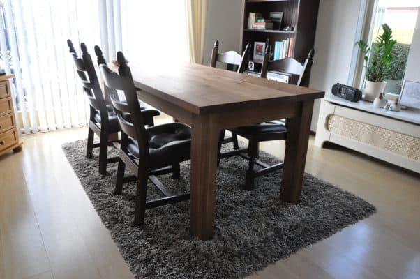 Klassieke massief eiken houten eetkamer tafel