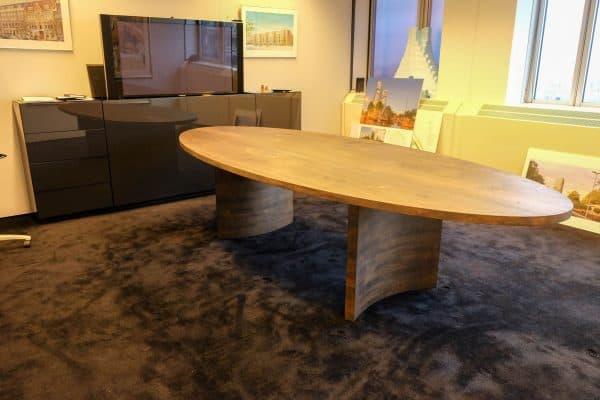 Terra massief noten houten design eetkamer tafel ovaal
