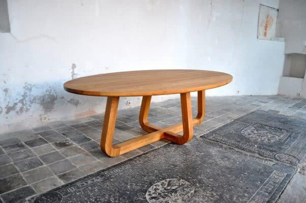 LeQuatre massief eiken noten houten design eetkamer tafel ovaal