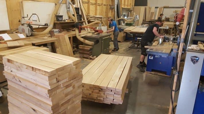 Massief eiken noten houten tafelblad meubelmaker